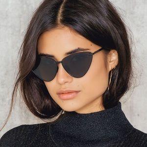 [ nwt ] Le Specs Nero Sunglasses